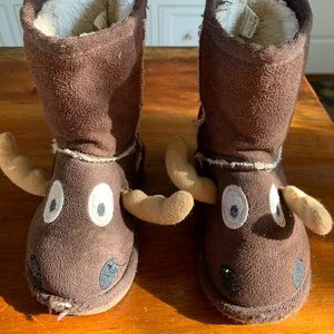 Lazy One Moose boots